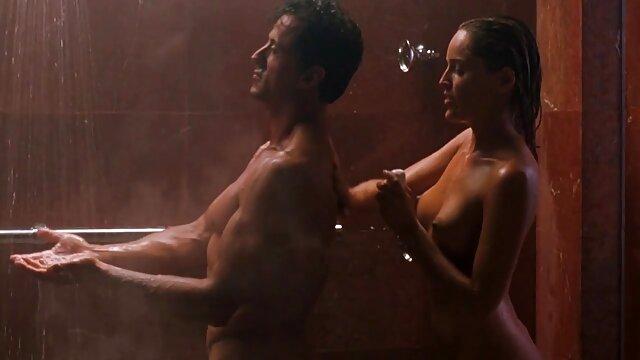 XXX keine Registrierung  Untertitel japanische newhalf bathhouse in HD private nacktfotos von hausfrauen